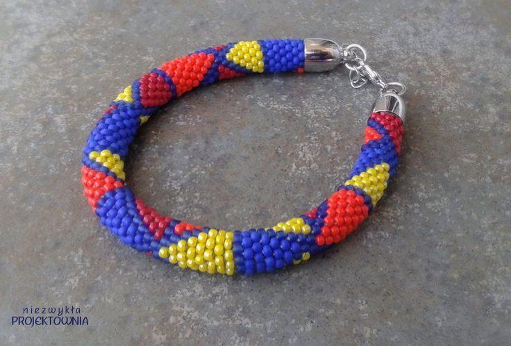 #Bransoletka w szalone #trójkąty :) #bracelet #beadcrochet #triangles https://www.facebook.com/NiezwyklaProjektownia
