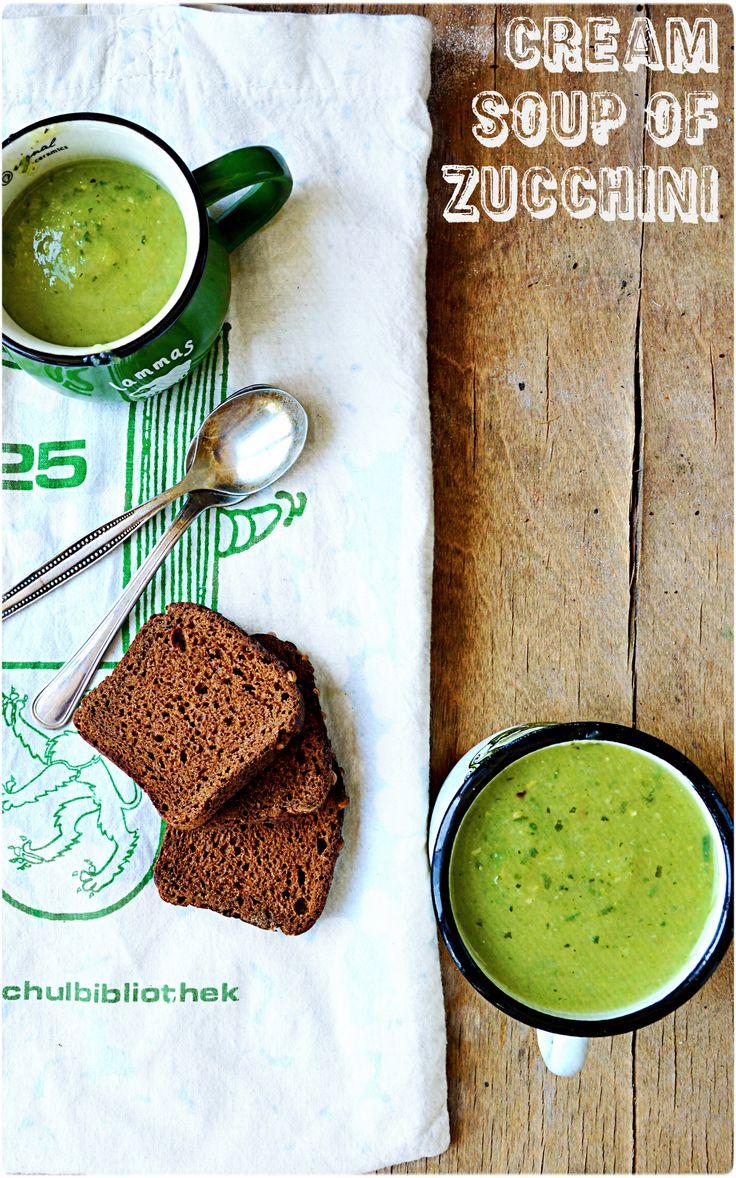 Cream soup with zucchini