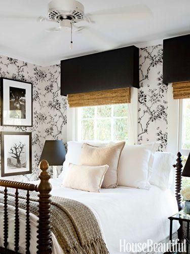 Ralph Lauren Home's Ashfield Floral wallpaper turns a small guest room into a romantic retreat. Design: Tobi Tobin