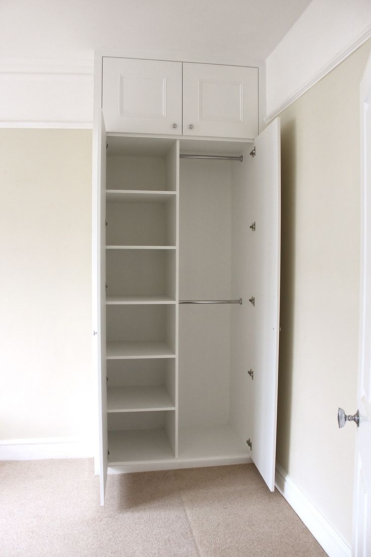 Shaker with molding alcove wardrobe - nice combo of shelves and hanging space