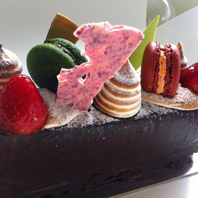 b and b adriano bologna cake - photo#17