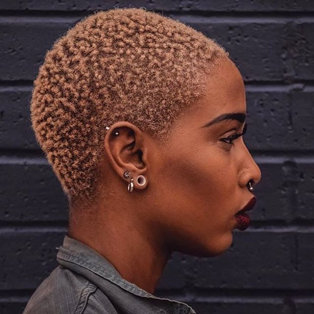color + cut poppin'. @profashional_tay | bald girl, bald black girl, shaved head