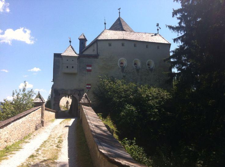 Burg Strachau, Austria
