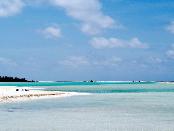 キューバ本島の南に浮かぶ大きな島 カヨ・ラルゴ