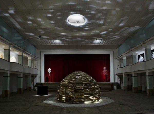 Moataz Nasr, Dome, 2011, wood, light; ambient size; dome + crystal: 260 x 565 x 565 cm. Galleria Continua San Gimignano, 2011. Photo by Ela Bialkowska