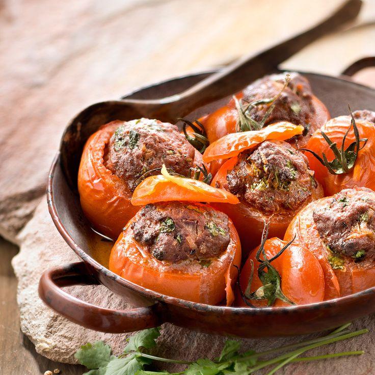 Découvrez la recette tomates farcies au boeuf haché sur cuisineactuelle.fr.