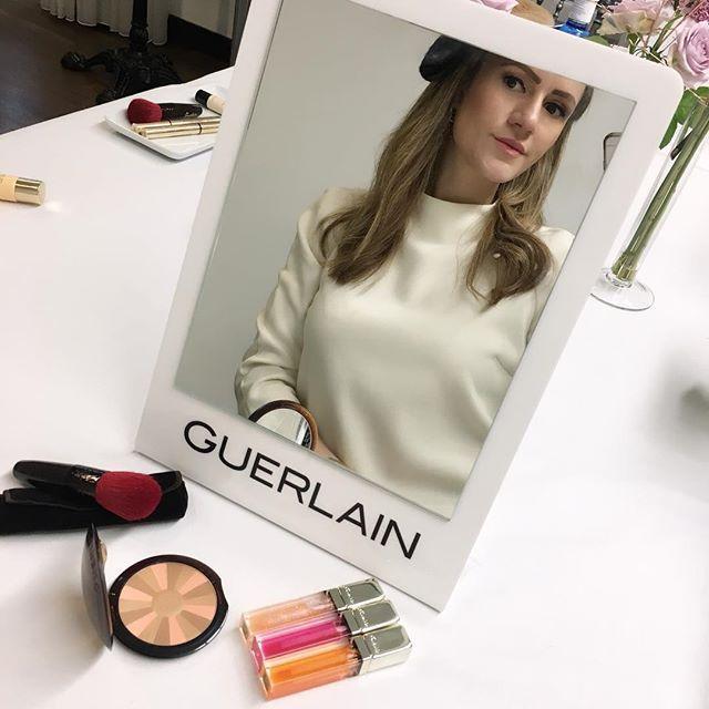 ¡Me encanta terminar la semana aprendiendo nuevos trucos de maquillaje! 😊💄 ¡Feliz viernes mis amores! ❤️ #guerlain #feelthesun #makeuplover  #beautyblogger  #summervibes #theprincessinblack🖤ThePrincessInBlack🖤