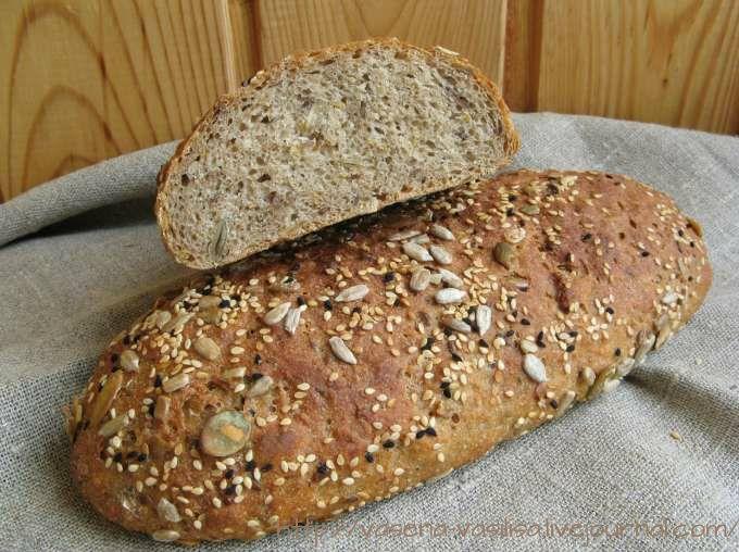 Я продолжаю пробовать разные рецепты хлеба с добавками семечек и злаков. На этот раз у меня хлеб от Сьюзан из Wild Yeast , с которым познакомила Екатерина hekate_100l.…