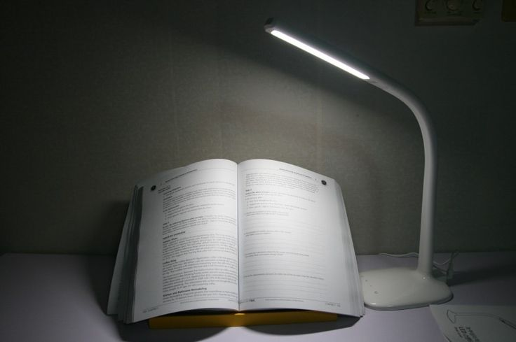 책상 스탠드 LED 추천 독서할 때 눈을 보호하세요~안녕하세요. 정직한 유찬씨 입니다. 요즘 유독 책을 ...