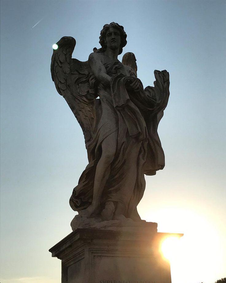 Un viajero sin capacidad de observación es como un pájaro sin alas... #angel #angelo #vatican #vaticano #sanangel #santangelo #angels #trip #travel #josephine #instagram #instalife #instaitaly #instapic #instaangels #instaroma #landscape #sunset #sky #mysecurity #myangel #mywish #eurotrip2017 #europe #italy #rome #eurotrip #europa #italia http://misstagram.com/ipost/1544130492009759351/?code=BVt2oBXF0J3