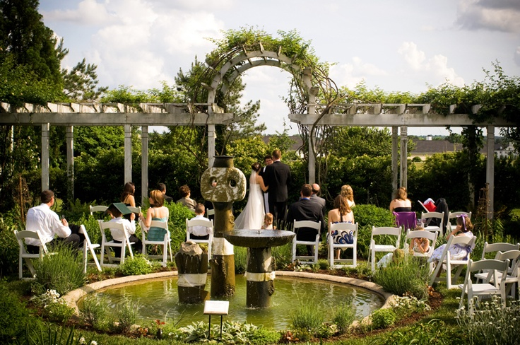 13 best images about garden wedding on pinterest gardens for Small intimate wedding ideas
