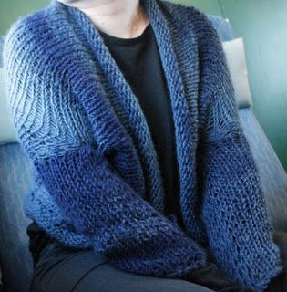 Martje: I visited at Joensuu and took Novita's Lumo yarn and 10mm knitting needles with me, so I would have something to do in train. I saw this knit and made my own version with sleeves.