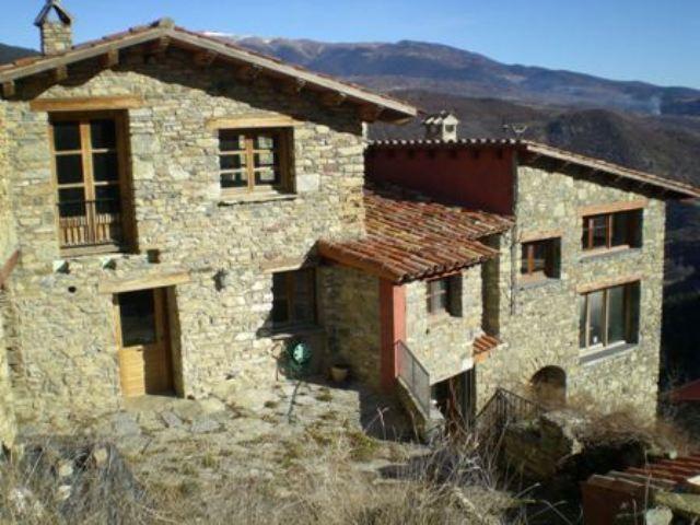 fachada casa rural lleida