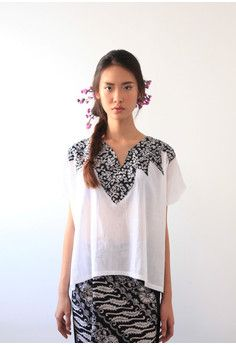 White Dre Batik Top -
