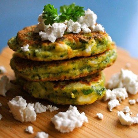 Her er en nem opskrift på broccoli pandekager, der smager fantastisk. Broccoli pandekager kan varmt anbefales til hele familien og er et sundt alternativ!
