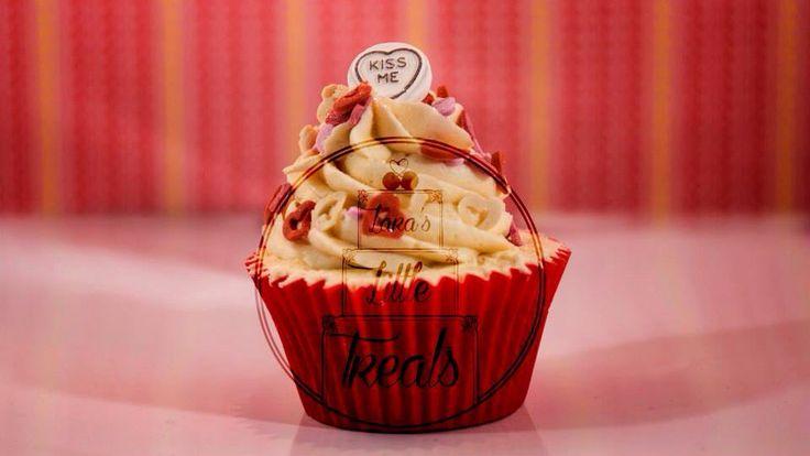 Valentines sweethearts cupcake #laraslittletreats #valentines #sweethearts #cupcakes