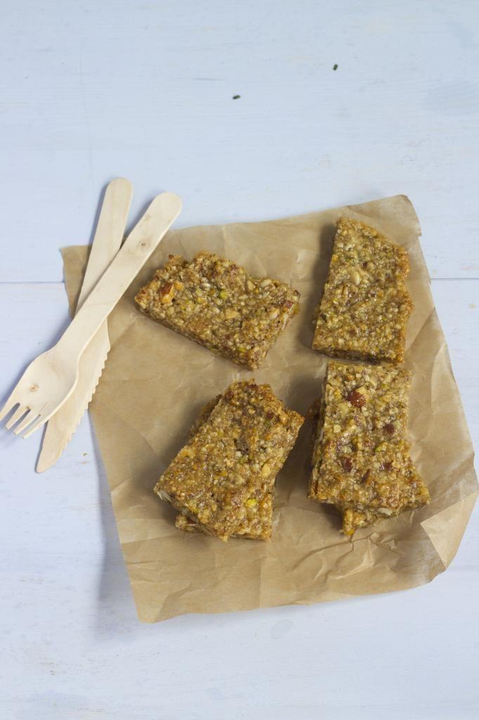 Gezonde snack - zelfgemaakte notenrepen - Lekker en Simpel