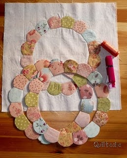 fun dresden style paper piecing circles