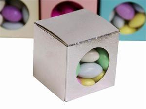 Caja plateada para almendras o chocolates con ventana de  acetato. #almendreros, #recordatorio.