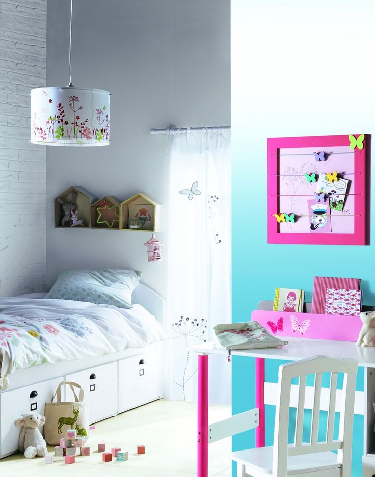 12 ideas para iluminar el cuarto infantil for Decoracion de cuartos para jovenes