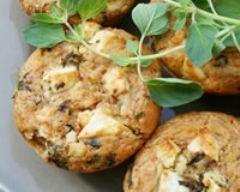 Muffins tomates séchées, olives noires et feta