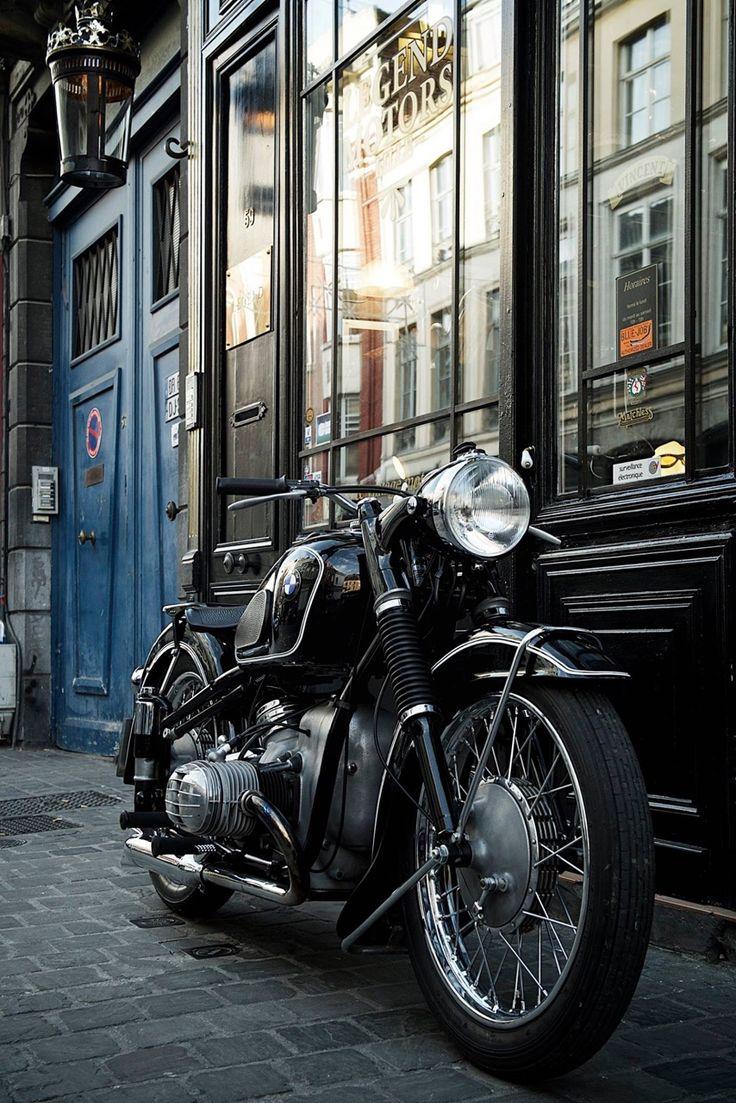 apostrophe9 • vonsontag:  BMW 51 Série 3 de 1954, état concours,...