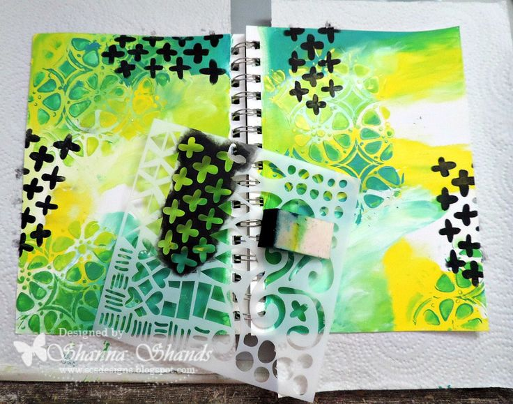 Use a bold pattern stencil for extra graphic punch on your art journal page. Tutorial in link #TCWstencillove #stencils #stenciledartjournal #artjournal #stencil #thecraftersworkshop