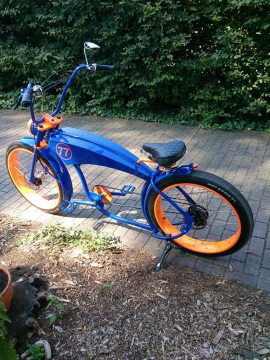 No idea where this pic came from originally, but it's a sweet ride. That blue and orange paintwork fair compliment each other #cruiser