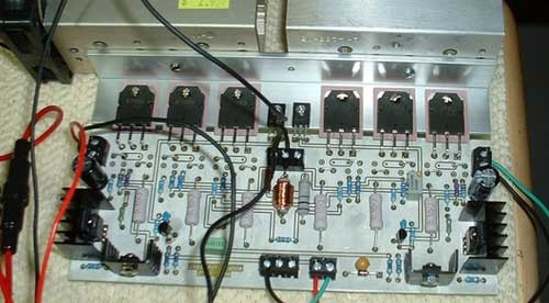 Error Correction Output Stage for Mosfet and BJT Power Amplifier