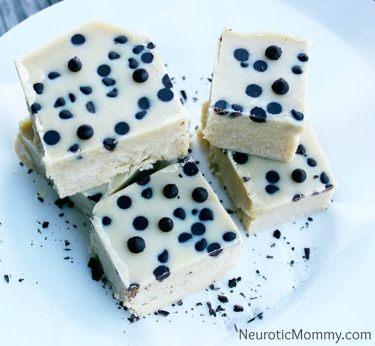 """Who dat Who dat""... Oh thats just me, ya know, bringin' it. White Chocolate Fudge anyone? What What! Some say they look like dice others say it looks like a cookies and cream bar (totes yummy). I ..."