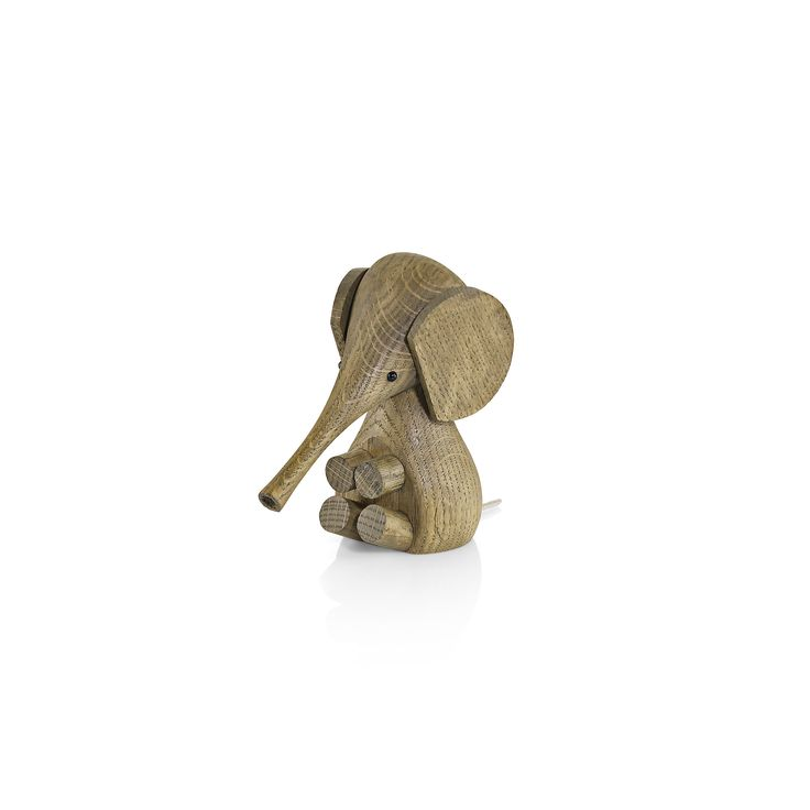 Baby Elefant fra Lucie Kaas i Røget Eg - Fri Fragt hos Decorateshop.dk  ⎢ Decorate Shop