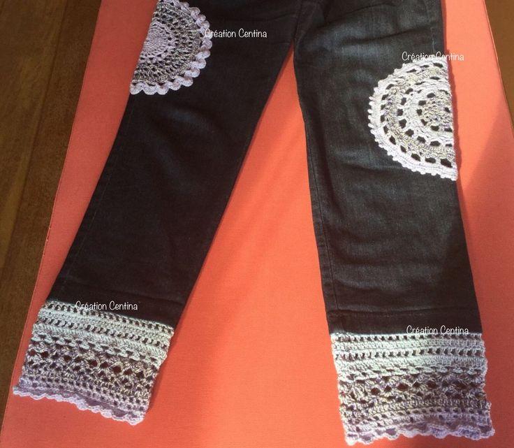 Waste yarn. Upcycling. Crochet. Jeans. Embellishment. Garenrestanten. Broek vond ik te kort en saai, dus... gehaakte randen aan de zomen en kleedjes ter versiering. Voorjaar 2016. Jeans: Dull and too short, so..... crochet borders and doily upgrade Spring 2016 Made by Centina K. @CentLovesColour