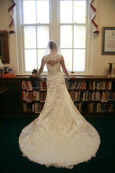 Anjolique Wedding Dress $1,000