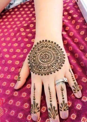 Beautiful Latest Simple Arabic Pakistani Indian Bridal Girl Mehndi Designs.: Bridal full Hand + Feet mehndi design hd photo