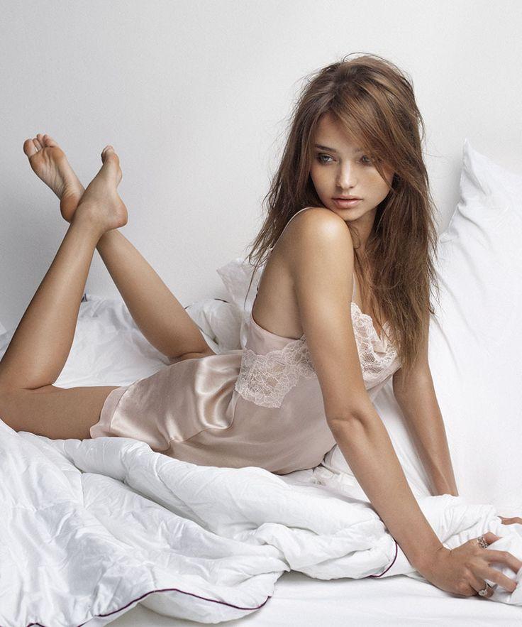 WHOA! Miranda Kerr Goes Totally Naked On Instagram—See The