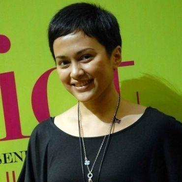 Tweet belasungkawa Sarah Sechan untuk almarhum Ustadz Jeffry Al Buchori (Uje) menuai kontroversi.    Simak beritanya di Info Artis Ghiboo.com:  entertainment.ghiboo.com/sarah-sechan-soal-bela-sungkawa-uje
