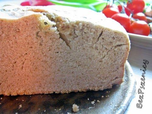 """Dawno już nie piekłam chleba.   Co więcej """"zamordowałam"""" zakwas, zwyczajnie o nic zapomniałam.   Dlatego dzisiaj przedstawiam Wam chleb na ..."""