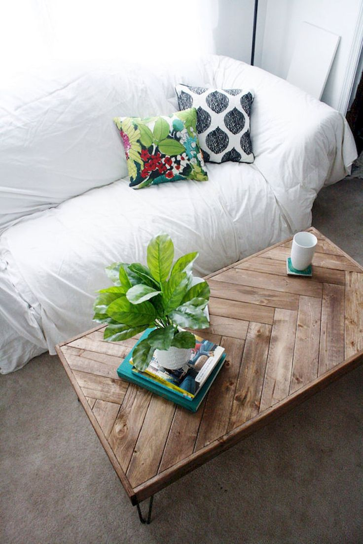 Cool 80 Rustic Coffee Table Ideas https://decorapatio.com/2017/09/14/80-rustic-coffee-table-ideas/