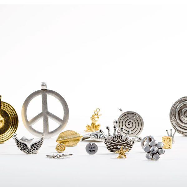 Metallperlen und Metallanhänger in vielen Formen und Oberflächen!