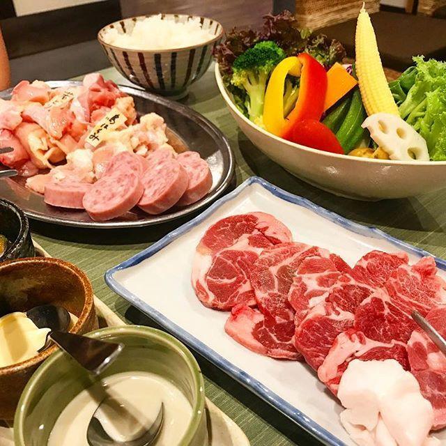 #またです #肉 #焼肉 #鳥村食堂 #鶏肉 #chicken #若鶏 #ハラミ #雲仙ハム #ラムちゃんロース #ひつじ肉  #写ってないけど #カルビユッケ #ズリの唐揚げ #サラダは #鳥村バリサラ #食べ過ぎた #7月から抑えよう、、、 #dinner #ディナー #夕食 #夕飯 #晩飯
