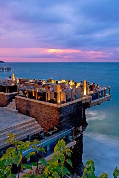 What an amazing place to have dinner and enjoy the sunset