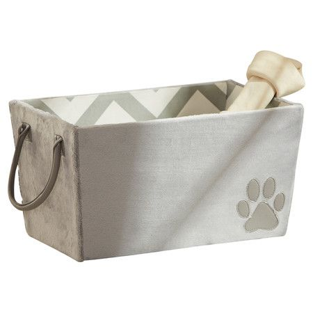 Ideal for lazy afternoons and evenings around the fireplace, this chic pet bed offers your four-legged companion a cozy resting spot while its chevron motif ...
