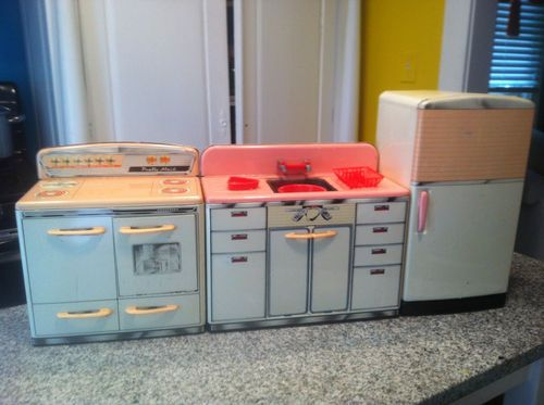 Vintage Pink Metal Marx Pretty Maid Kids TOY Kitchen Refrigerator Stove  Sink | EBay