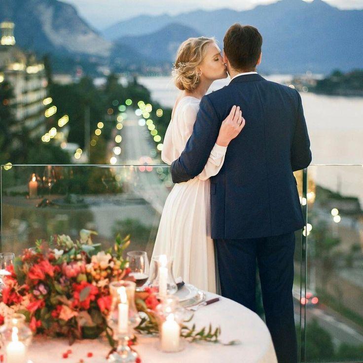 Планируете свадьбу за границей?  На сегодняшний день свадьба вдвоем за границей стала очень популярным способом празднования дня бракосочетания для жителей нашей страны Неудивительно ведь это зачастую дешевле интереснее романтичнее и ярче. Гораздо выгоднее устроить праздник на двоих или для крохотного круга родственников и друзей чем устраивать шикарный банкет для всех желающих повеселиться на вашем торжестве Есть данные говорящие о том что свадьбы за рубежом стали крайне популярными. В…