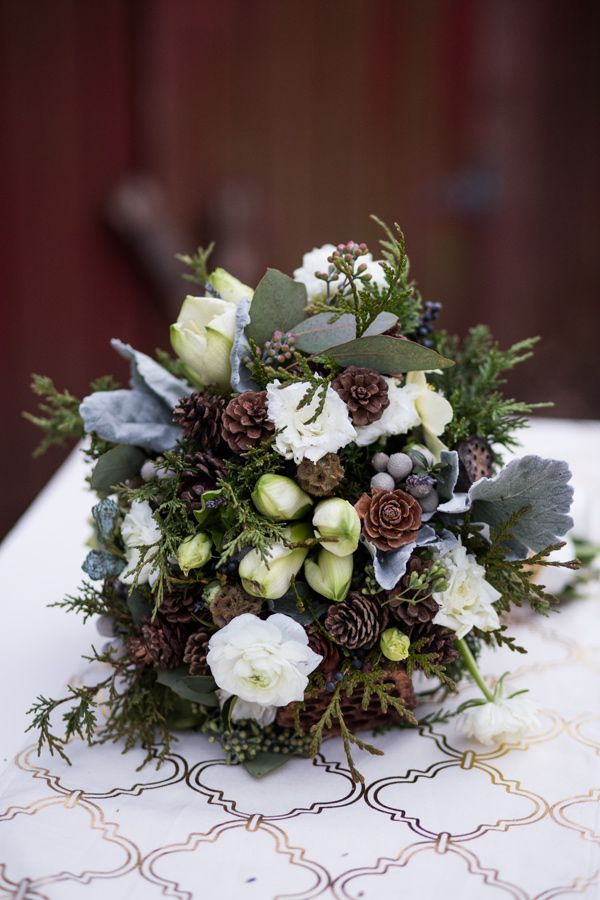 winter wedding flower arrangements best 25 winter wedding bouquets ideas on 1444