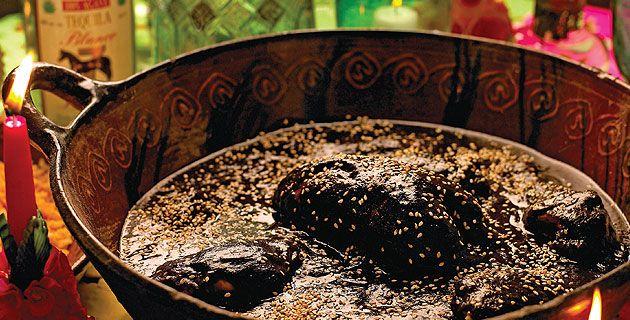 10 platillos para preparar en Día de Muertos. Mole del Convento de Santa Rosa, Puebla | México Desconocido