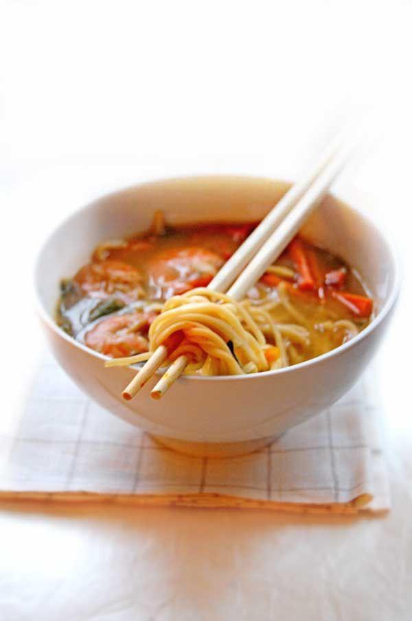 apranzoconbea: Zuppa di gamberi, bok choy e noodles...con tanto zenzero