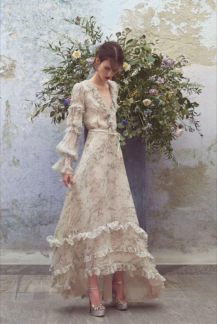 Sfilata Luisa Beccaria Milano - Pre-collezioni Primavera Estate 2018 - Vogue