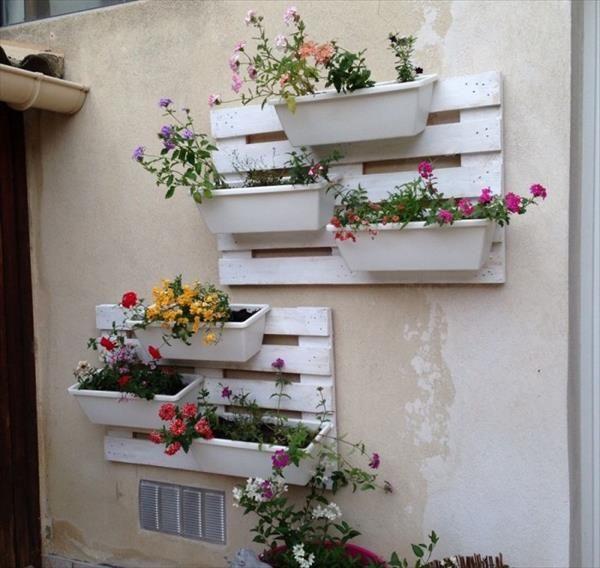 pallet decor planter