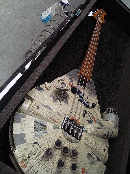 Millennium Falcon bass...: Bassguitar, Geek Humor, Rebel Bass, Rebelbass, Millennium Falcon, Funny Pictures, Stars War, Dark Side, Bass Guitar